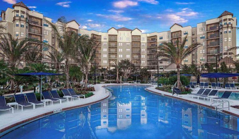 The-Grove-Resort-and-Spa-Orlando-Hotel-Pool-2